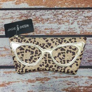 🌺Beautiful Animal Print Eyewear Case NWT
